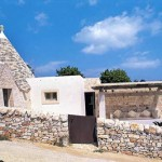 Trullo Oliva can be rented through Puglia Places